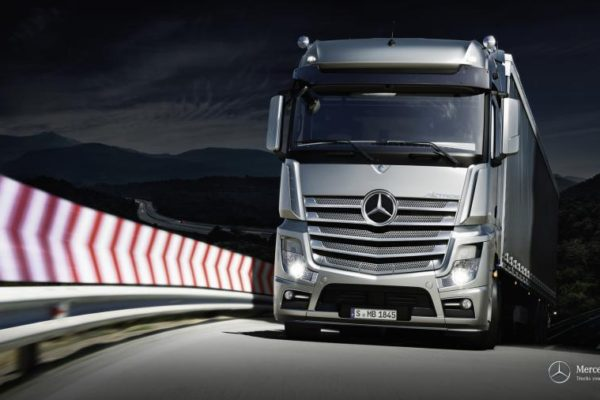 mb-actros-driving-dynamics-1920x1080