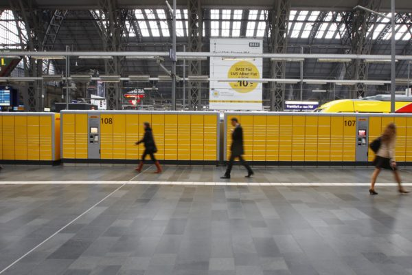 Neue Packstation Hauptbahnhof Frankfurt, 040412***********************************************************copyright by: georg-foto, offenbachGauss-Str. 5, Postfach 100628D-63071 Offenbach am Main Tel. +49-69-98557977 FAX:+49-69-98557988mobil: +49-171-3367112Veroeffentlichung unseres Bildmateriales nur gegen Honorar (zzgl.MwSt.),Belegexemplar und Urheberangabe (13-UrhG). Ust.ID: 035 821 01115 Finanzamt Offenbach-StadtBankverbindung: Sparkasse OffenbachBLZ.: 505 500 20 Kto.-Nr.: 107054383