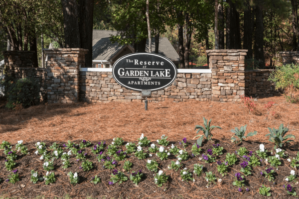 Reserve Garden Lake-02-Sign