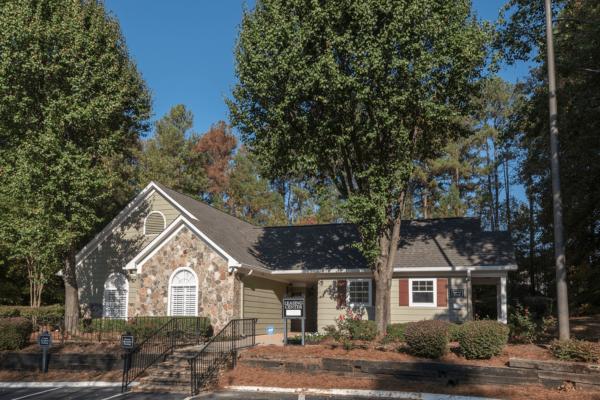 Reserve Garden Lake-05-Office