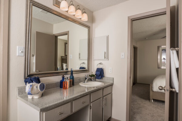 Post-renovation photographs of the Overlook at Bear Creek Apartments in Euless, Texas, for Dayrise.